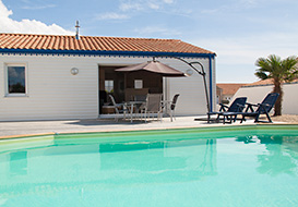 Villa with covered heated pool on the Vendee coast