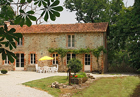 Authentic Vendee rental in an historic chateau setting