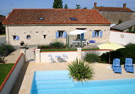 Vendee cottage for 6 with pool
