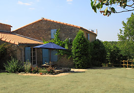 Vendee farmhouse for 10 people with pool