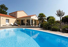 4 bedroom villa with private pool on the coast